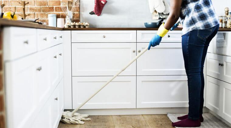 mutfak temiz tutmak için zemin temizliği