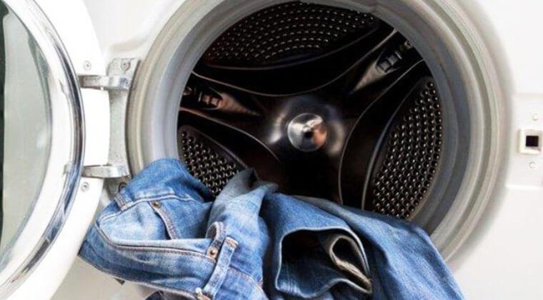 Koyu renk kot pantolonlar nasıl yıkanmalı