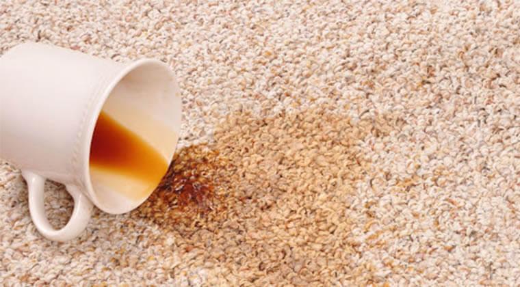 Halıdan Kahve Lekesi En Kolay Nasıl Çıkar