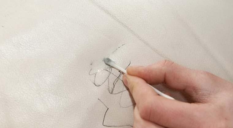 koltuktan mürekkep lekesi nasıl çıkar