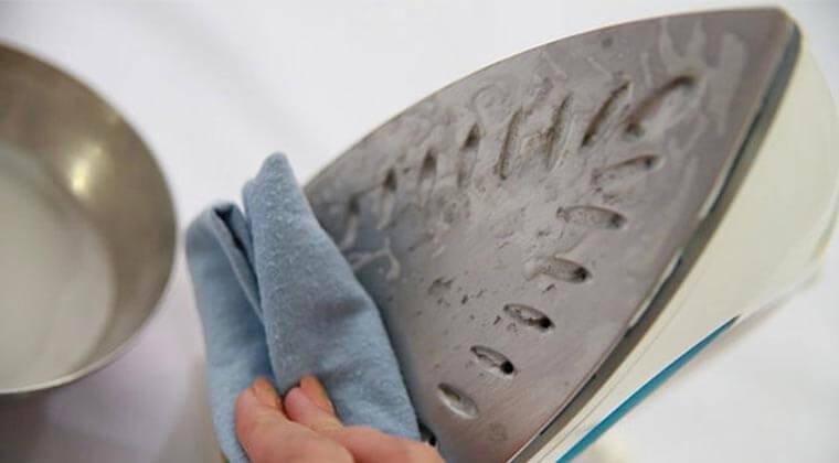 ütü tabanı temizliği